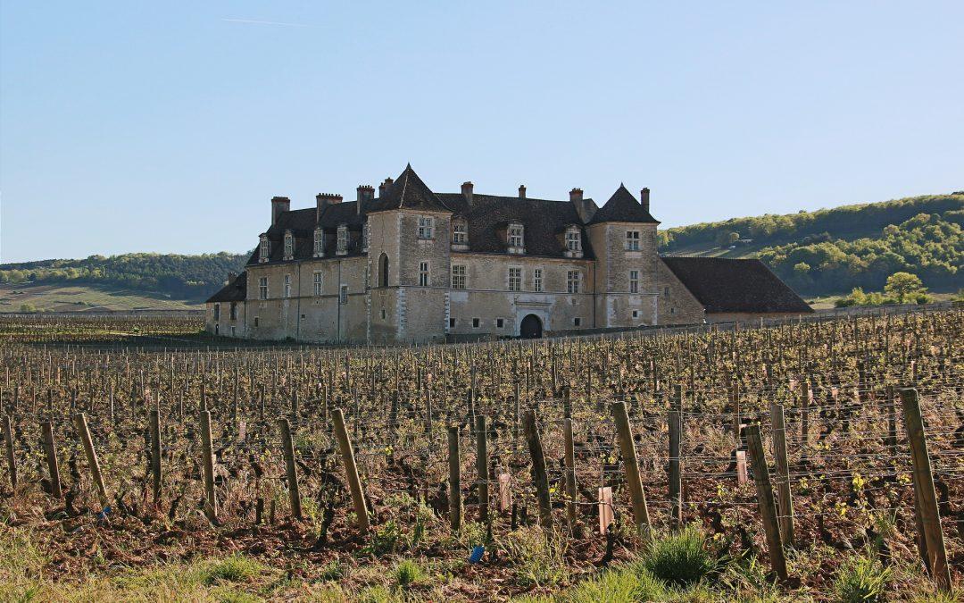 Burgundy's Grand Cru iconic castle : the Clos de Vougeot